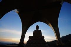 buddha silhouette Royaltyfria Foton