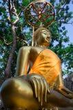 buddha sittande staty thailand Arkivfoto