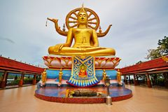 buddha sitting royaltyfria foton