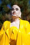 Buddha skulptur i vietnamesisk kloster arkivbilder