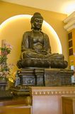 Buddha-Skulptur-Seitenansicht Stockbild