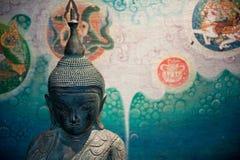 Buddha-Skulptur-Malerei Lizenzfreie Stockfotos