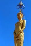 Buddha stan i niebieskiego nieba tło Fotografia Royalty Free