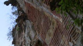 Buddha statua i góry ściana artefakty zdjęcie wideo