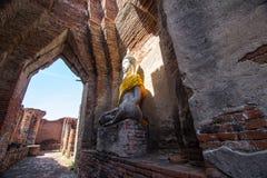 Buddha statua przy Watem Prasat Nakorn Luang, Amphoe Nakorn Luang, Phra Nakorn Si Ayutthaya, Tajlandia Zdjęcia Royalty Free