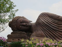 Buddha statua przy Watem Traimitr Withayaram, podróż punkt zwrotny zdjęcia royalty free