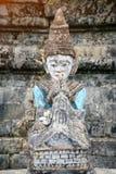 Buddha statua w antycznej ruiny świątyni Zdjęcie Stock