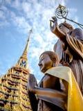 Buddha statua w pokoju Fotografia Royalty Free