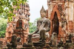 Buddha statua w Wata Mahathat świątyni, Ayutthaya, Tajlandia Obraz Stock