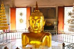 Buddha statua w Wata Phra-pud świątyni Zdjęcia Stock