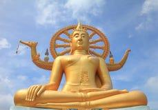 buddha statua złota plenerowa Zdjęcia Royalty Free