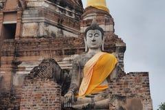 Buddha-Statue bei Wat Yai Chai Mongkon, ein buddhistischer Tempel in Ayutthaya, Thailand Lizenzfreie Stockfotografie