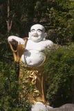 Buddha-Statue der chinesischen Art in der Grotte bei Wat Tha Ton stockbild