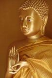 Buddha-Statue in der ersten unterrichtenden Geste Lizenzfreie Stockbilder