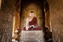 Buddha-Statue in der Pagode bei Bagan, Myanmar Lizenzfreie Stockbilder