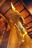 Buddha-Statue in einem Bangkok-Tempel, Thailand Lizenzfreie Stockbilder