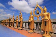 Buddha-Statue golden im Tempel Thailand Stockbild