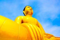 Buddha-Statue, große goldene Buddha-Statue in Thailand Stockbild