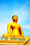 Buddha-Statue, große goldene Buddha-Statue in Thailand Stockfotos