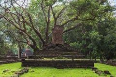 Buddha-Statue in historischem Park KamphaengPhet Stockbilder