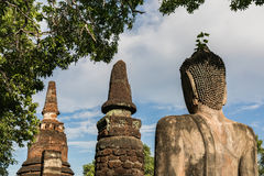 Buddha-Statue in historischem Park KamphaengPhet Lizenzfreies Stockfoto