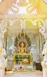 Buddha-Statue im Ashram stockfotos