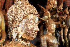Buddha-Statue im siamesischen Tempel stockbild