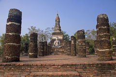 Buddha statue sitting among the ruins of Sukhothai Royalty Free Stock Images