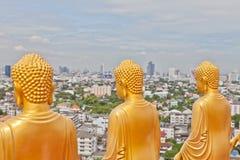 Buddha-Statue von hinten stockbilder
