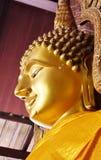 Buddha-Statue von Wat Yai Chai Mongkol Stockfotos