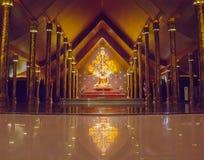 Buddha-Statue Wat Sirindhornwararam Stockbild