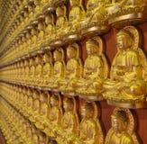 Buddha-Statuen bei Wat Borom Racha Kanchana Phisake (Wat Leng Noei Yi 2) in Nonthaburi, Thailand Lizenzfreies Stockbild