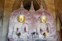 Buddha-Statuen innerhalb des Schreins Dhammayangyi-Tempel Bagan myanmar Lizenzfreies Stockfoto