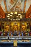Buddha-Statuen und -altar am PO Lin Monastery Lizenzfreie Stockfotos