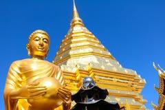 Buddha-Statuen in Wat Phra That Doi Suthep lizenzfreies stockfoto