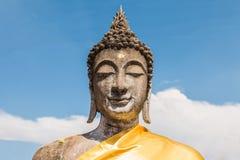 Buddha status przy Watem Yai Chaimongkol, Ayutthaya obrazy royalty free
