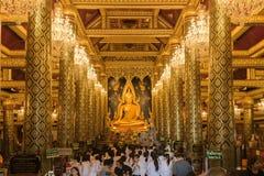 Buddha statuy imienia Phra phuttha chinnarat przy Watem Phra Sri Rattana Mahathat Zdjęcia Royalty Free