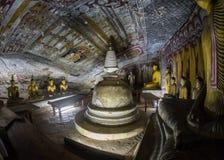 Buddha statuy w Dambulla Zawalają się świątynię, Srilanka Obrazy Royalty Free