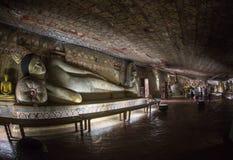 Buddha statuy w Dambulla Zawalają się świątynię, Srilanka Zdjęcia Royalty Free
