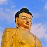 Buddha staty av Sakyamuni buddha Arkivfoton