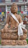 Buddha staty i Manali. Arkivbilder