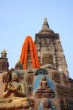 Buddha staty på det Mahabodhi tempelet på Bodhgaya Indien Arkivbilder