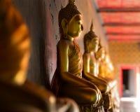 buddha statytempel Royaltyfria Foton