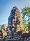 Buddha stellt in Bayon-Tempel in Angkor Thom gegenüber Siem Reap kambodscha stockfotografie