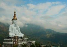 Buddha sulla montagna Immagini Stock