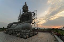 Buddha sylwetka i statua Zdjęcia Stock