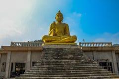 buddha, tailandês, templo, ouro Fotos de Stock