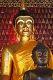 Buddha in tempiale Immagine Stock
