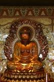 Buddha in tempiale buddista immagine stock