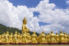 Buddha in tempiale tailandese Fotografia Stock